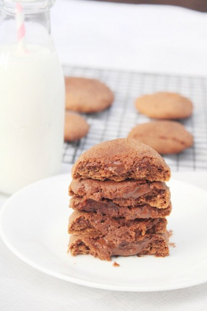 Serving Banana Nutella Cookies with Milk