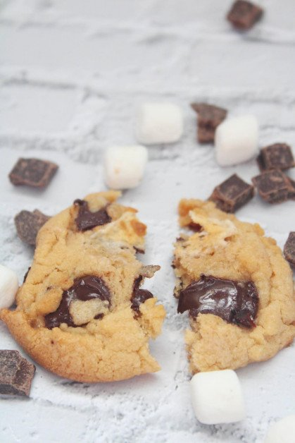 Peanut Butter Marshmallow Cookies with Chocolate Chunks