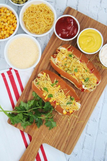 Brazilian Hot Dog served with your choice of traditional toppings.