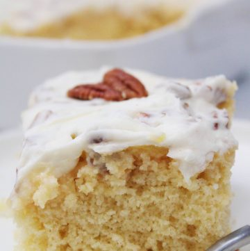 Elvis Presley Cake with pineapples and pecans