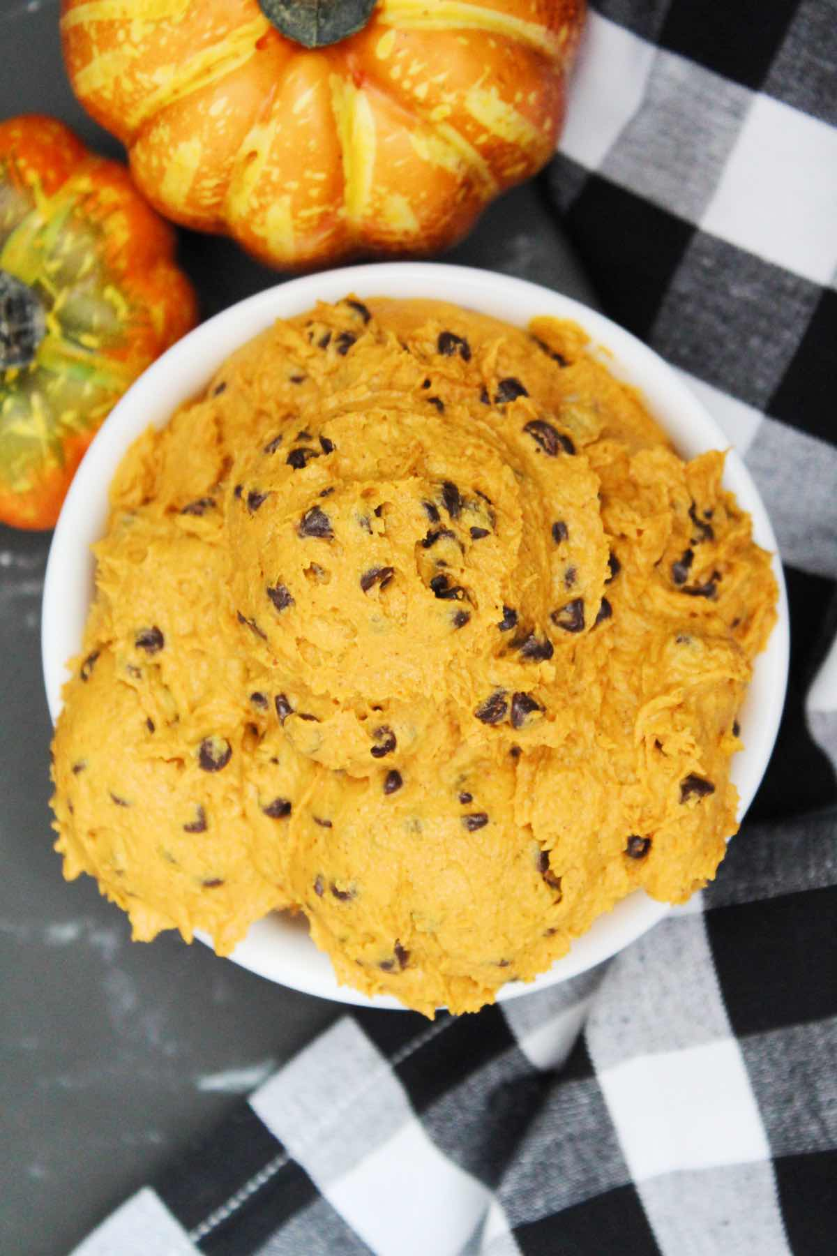 All you need are a few simple ingredients like flour, butter, brown sugar, pumpkin pie spice, pumpkin puree, vanilla extract and chocolate chips.