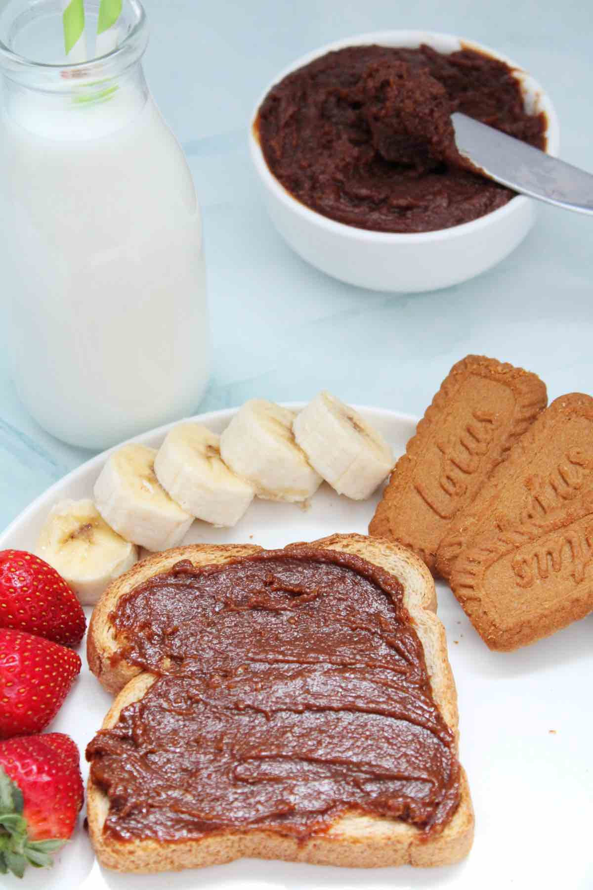 Serve this Biscoff cookie spread with toast, fresh fruits or anything you'd like.