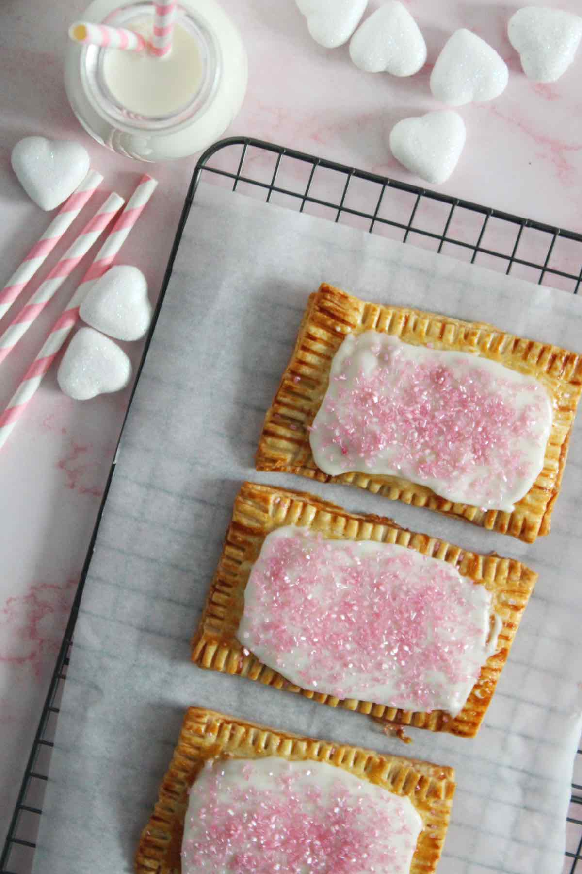 Easy recipe for pop tarts.